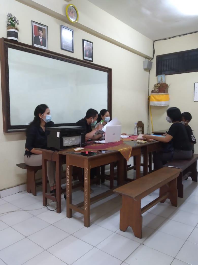 PENDAFTARAN siswa baru di SMP Dwijendra Denpasar. Sampai Selasa (29/6/2021), pendaftaran siswa baru di sekolah swasta di Denpasar masih landai. Foto: ist