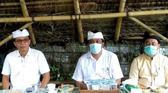 DIREKSI Perusda Air Minum Tirta Sanjiwani. Gegara pandemi tak kunjung pergi, BUMD Pemkab Gianyar itu kehilangan pendapatan mencapai Rp1 miliar per bulan. Foto: adi