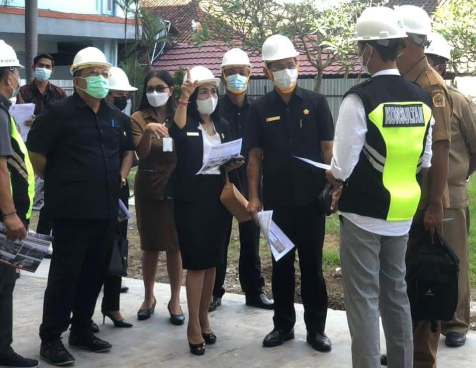 KETUA Komisi IV memimpin monitoring di RSU Sanjiwani dan Payangan. Foto: adi