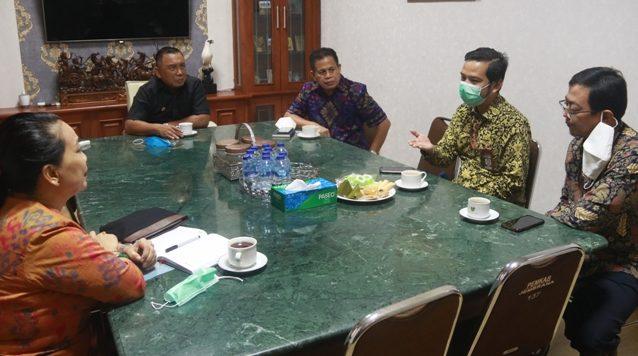SATGAS Koordinasi Supervisi Wilayah V KPK RI saat diterima Bupati Jembrana, I Nengah Tamba, Jumat (18/6/2021). Foto: ist