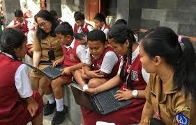 PULUHAN laptop gratis untuk sekolah di Badung dilaporkan hilang misterius. Foto: ist