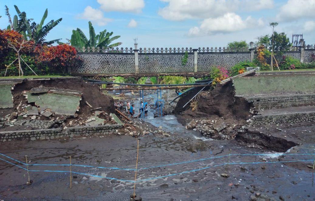 Diguyur Hujan, Kolam Tirtagangga Jebol, Pipa PDAM Diduga Ikut Jadi Penyebab