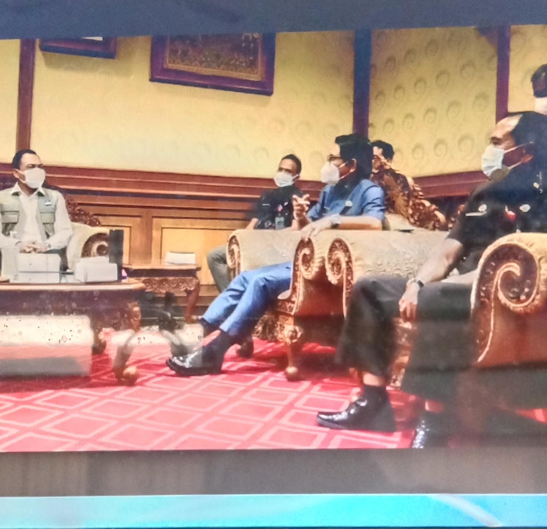 SEKDA Badung, Wayan Adi Arnawa, menerima Tim Pakar Satgas Covid-19 Pusat yang dipimpin Nyoman Gde Agus Asrama di Puspem Badung, Selasa (10/8/2021). Foto: ist