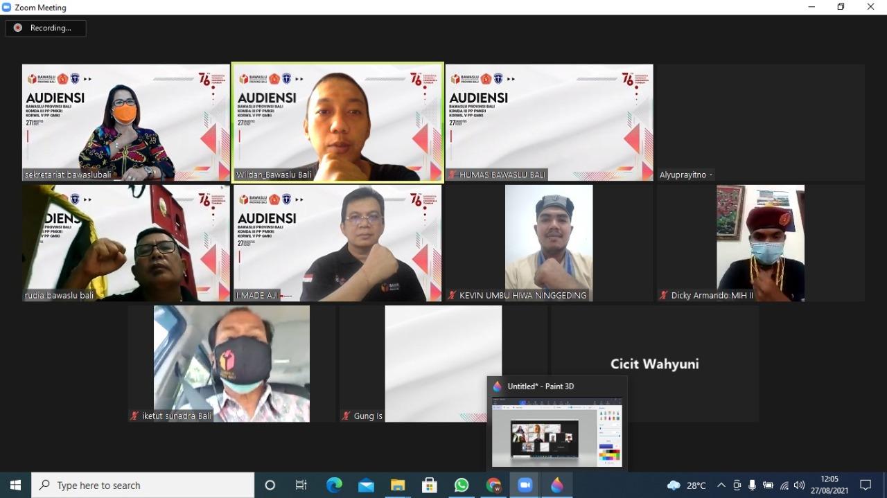 AUDIENSI virtual antara Bawaslu Bali dengan PMKRI dan GMKI, membahas agenda program Pandangan Demokrasi Milenial yang disingkat Pandemi. Foto: ist