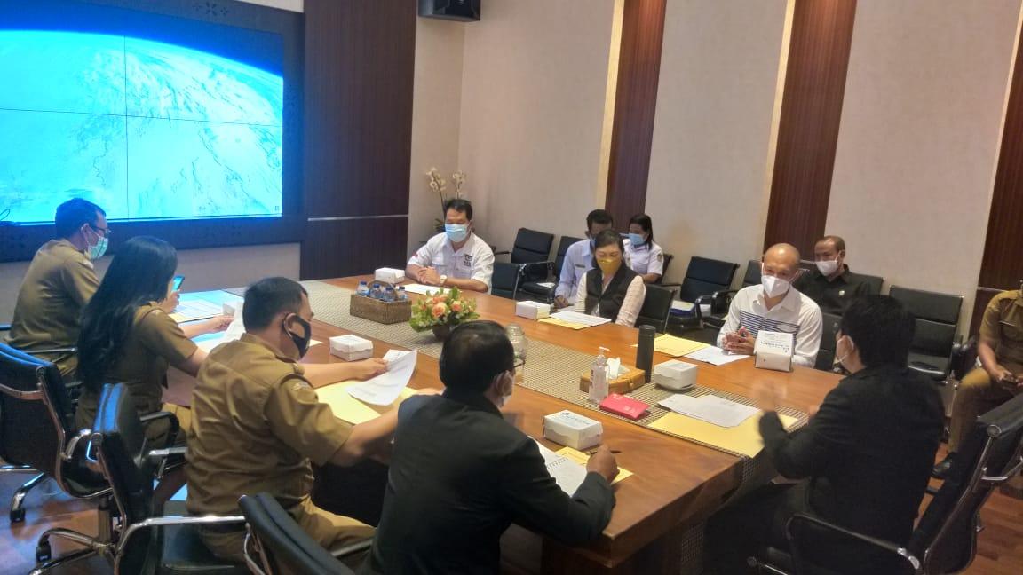 AUDIENSI jajaran komisioner KPU Badung bersama Sekda Badung dan OPD terkait di Puspem Badung, Senin (30/8/2021). Foto: ist