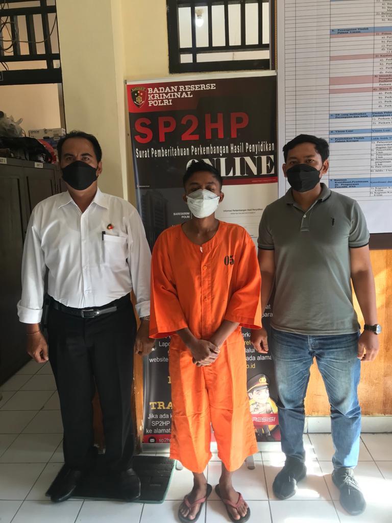 PELAKU colek paha, I Wayan Suweca (30) ditetapkan sebagai tersangka. Dia dijerat pasal 289 KUHP tentang tindak pidana pencabulan dengan ancaman hukuman maksimal sembilan tahun penjara. Foto: ist