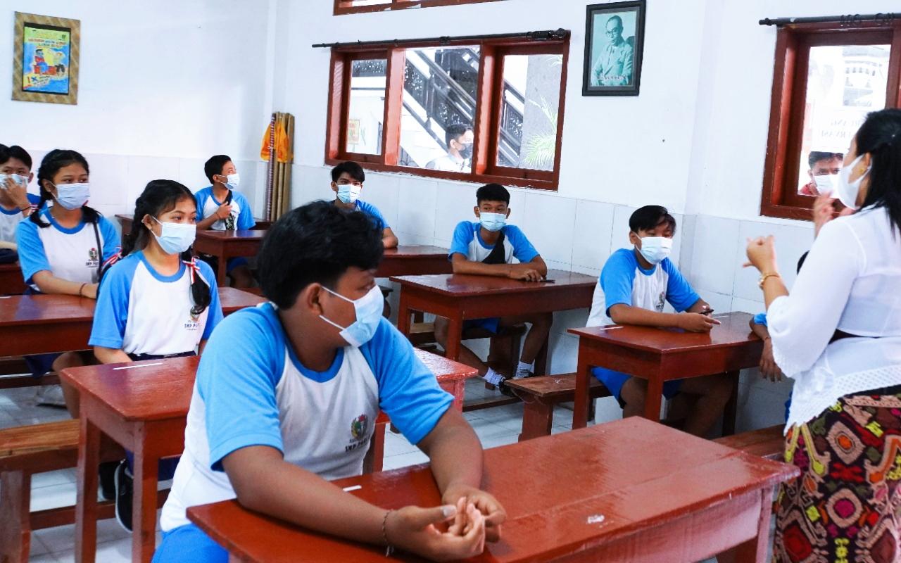 SIMULASI PTM yang diikuti siswa SMP PGRI 3 Denpasar. Foto: ist