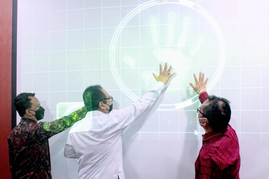 PELUNCURAN gerakan digitalisasi pembayaran rumah sakit swasta di Ruang Auditorium RS Bali Mandara, Rabu (22/9/2021). Foto: ist