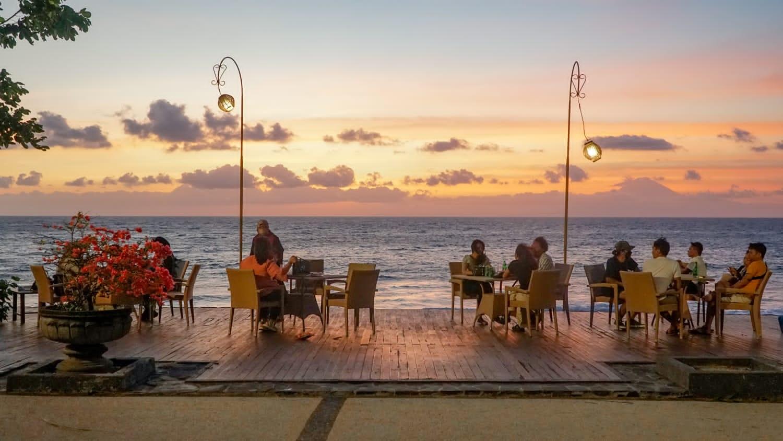 VIEW menarik di salah satu sudut Holiday Resort, Senggigi, Lombok Barat. Foto: ist
