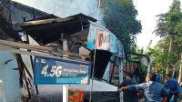 KEBAKARAN sebuah warung di Banjar Dinas Sangging, Desa Kelating, Kecamatan Kerambitan, Tabanan, Selasa (12/10/2021). Foto: ist