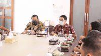 ASDEP Akses Permodalan Pariwisata dan Ekonomi Kreatif, Suparman, bersama Dirut Jamkrida Bali, Widiana Karya (kanan). Foto: ist